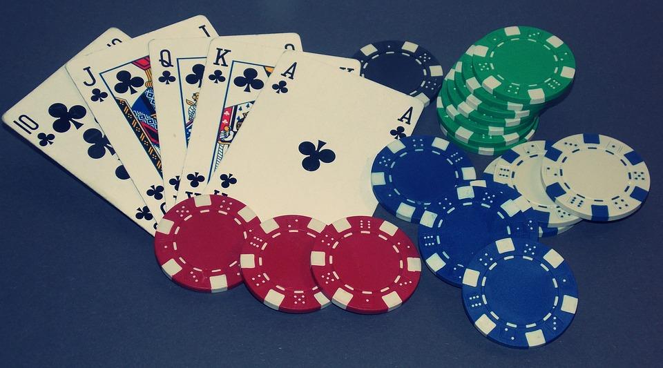 Tributación de las ganancias del póker online y presencial.